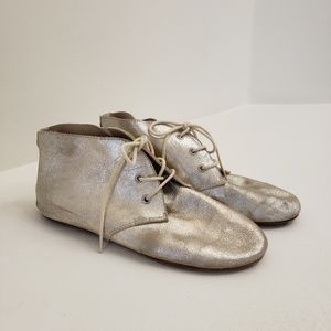 House of Harlow 1960 Gold Shoes